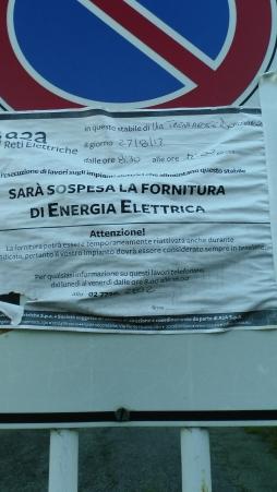 Comunicazione affissa sul cancello di via Trentacoste 8