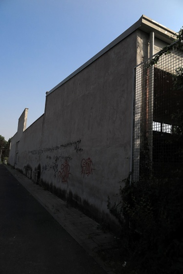 La facciata vista da altra angolazione