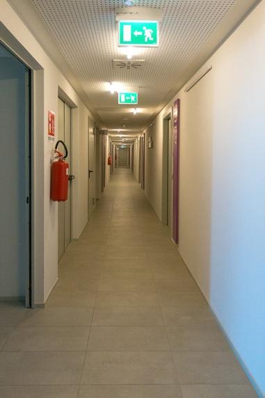 Uno dei corridoi di acceso alle stanze