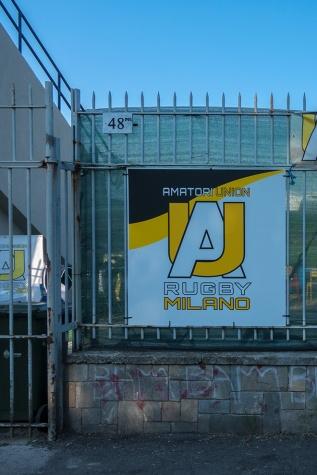 Prima del vecchio civico 48 di via Valvassori Peroni vi è ora il civico n°48P01 che dovrebbe essere l'ingresso principale dell'Amatori&Union. In verità gli ingressi allo stadio sono più d'uno e il civico dovrà...