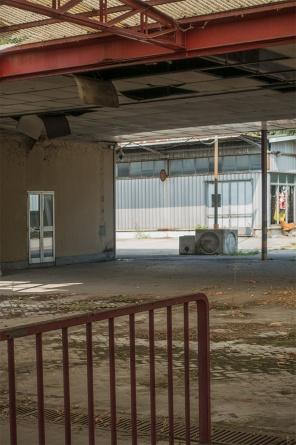 La videocamera piazzata all'interno della vecchia portineria della INNSE da Camozzi.