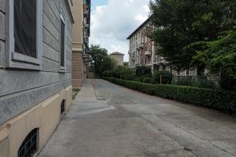 Dal cancello di via Pitteri 4