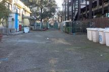 Il centro raccolta rifiuti visto da via Ampere 20