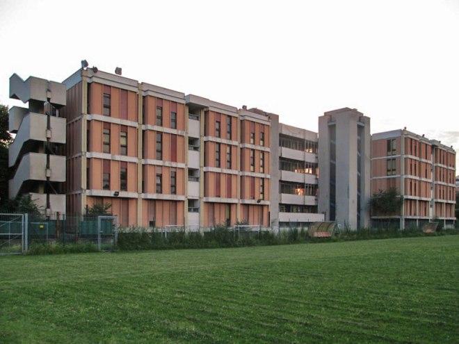 ex Liceo Manzoni in via Rubattino