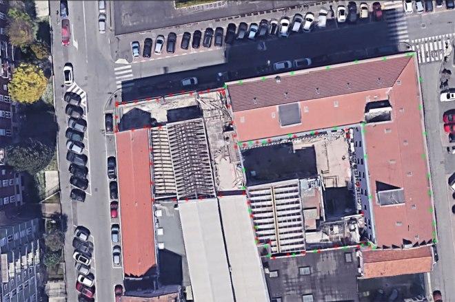 L'area complessiva dei civici 2 e 4 è indicata con i puntini rosso e verde. E si estebde da via Maniago via Durazzo via Ponte di Legno